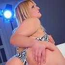 Chubby bikini teen uncovers her hot curvaceous body