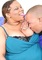 Ebony fatty finger fucked in her fleshy pussy